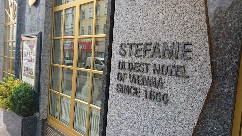 JAKO PIERWSI NA ŚWIECIE ZMIERZYLIŚMY NADMIAR JEDZENIA W HOTELU STEFANIE W WIEDNIU!