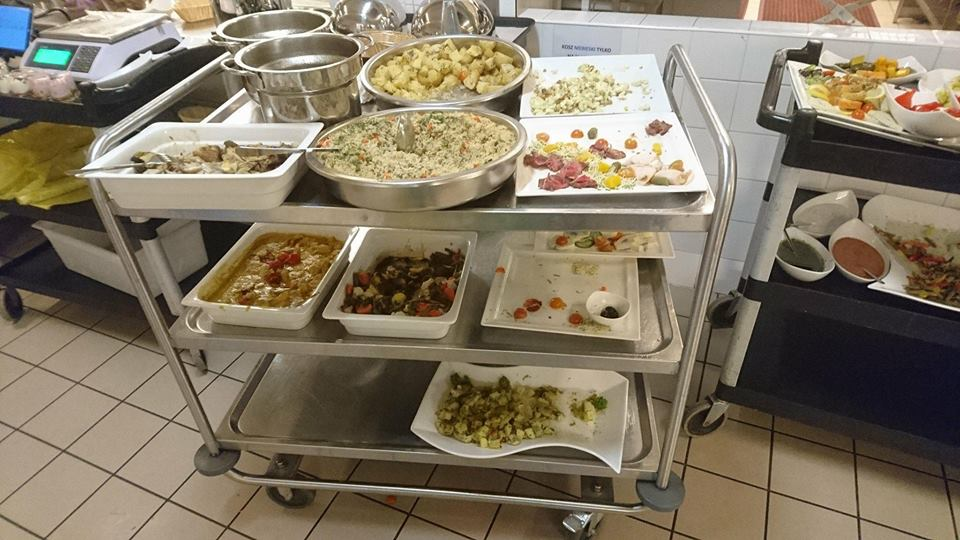 Materiał w TVN dotyczący ilości marnowanego jedzenia