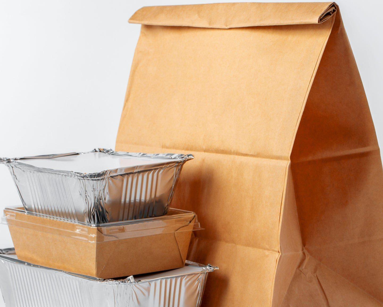 Badania w UK: w czasach koronawirusa więcej jedzenia w koszu na śmieci